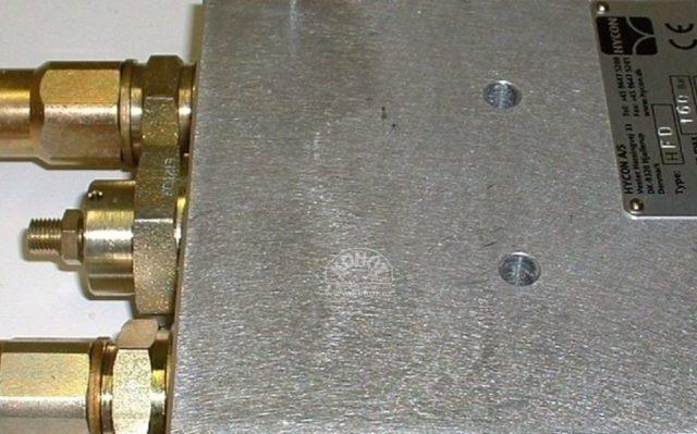 Použití ručního hydraulického nářadí s nakladačem
