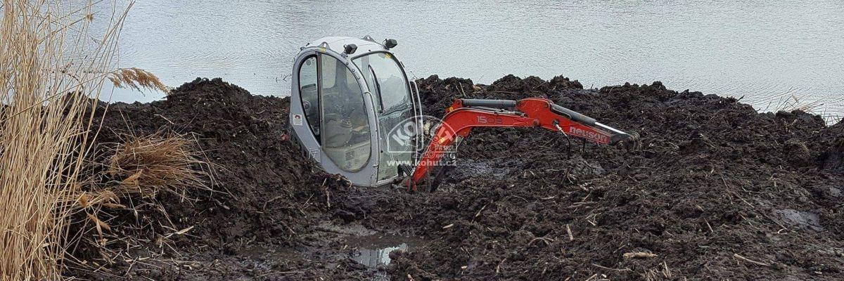 Úprava břehu rybníka minibagrem