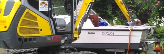 Lodní motor bagrem