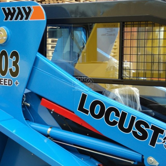 nakladač Locust 903
